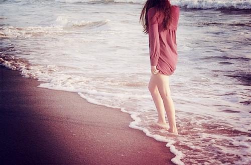 很多东西就像指缝间的阳光,温暖,美好,却永远无法抓住。