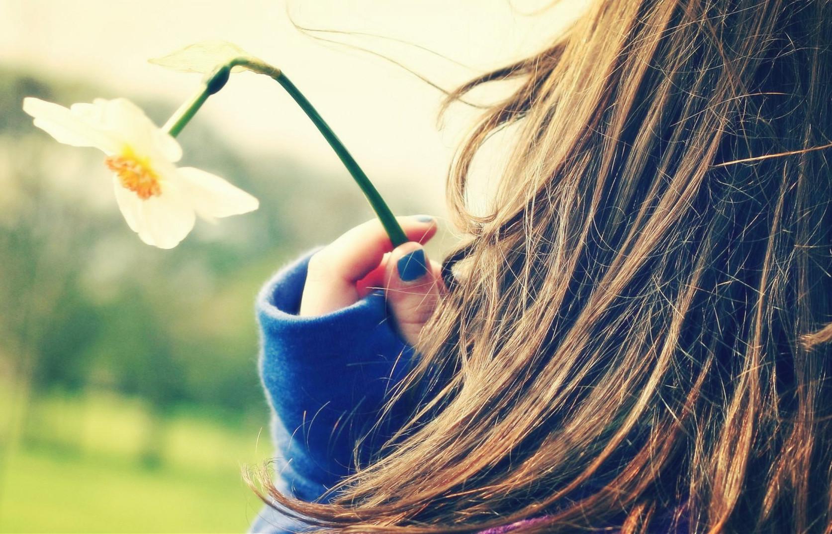 伤感图片_生命中,有太多的事情身不由己,有太多的无奈心不得已。