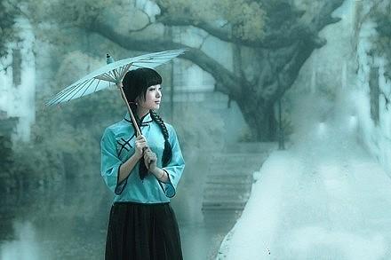 你说你喜欢雨,但是你在下雨的时候打伞。