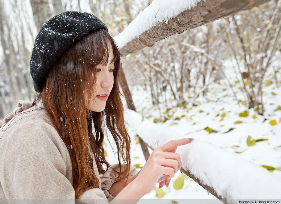 美女冬季衣服图片:美女冬季背影图片