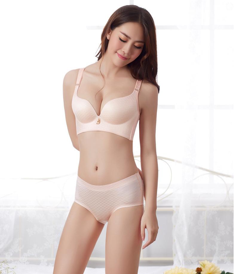 女士夏季超薄内裤图片