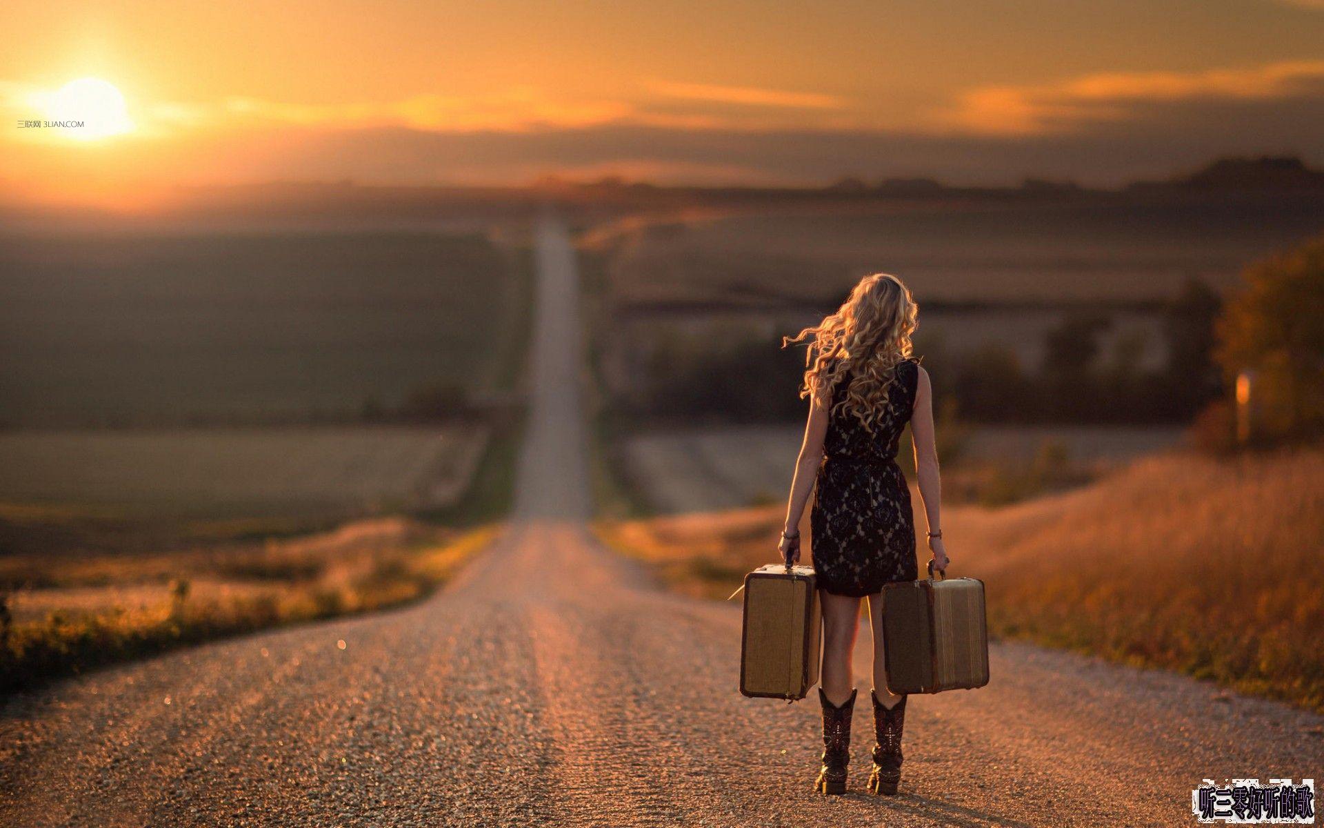 我毫无阅历 毫无准备  我一头栽进我的命运 就像跌进一个深渊。