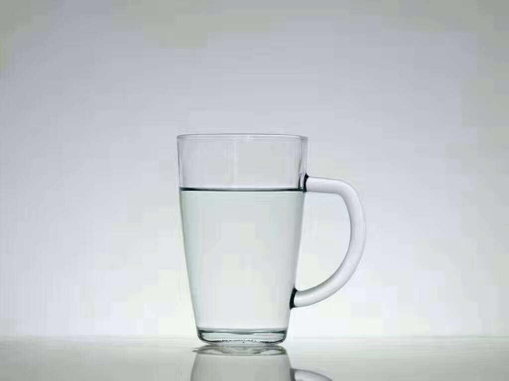 一杯白开水的唯美说说