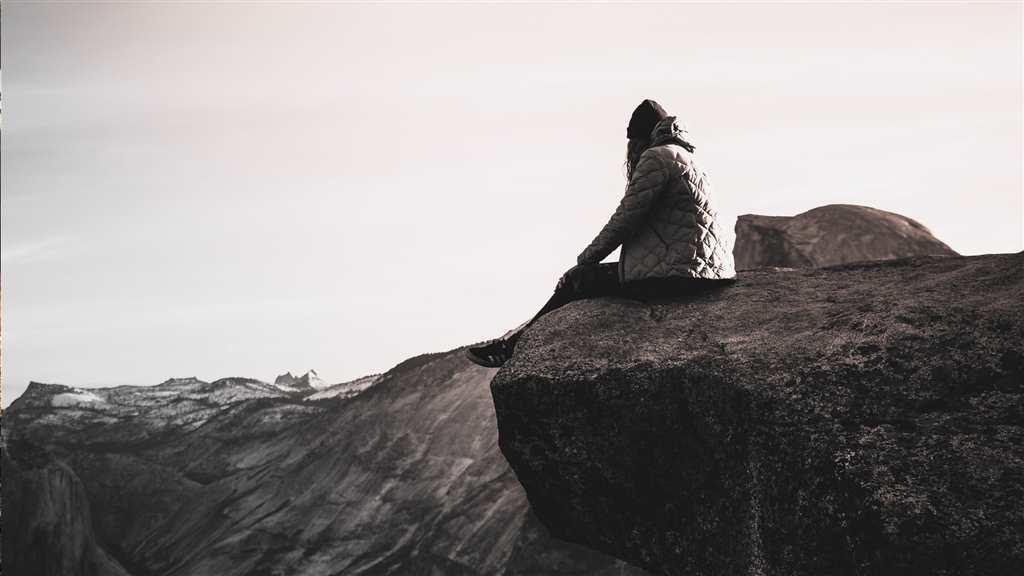 一个人内心孤单寂寞的图片