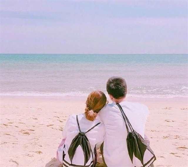 深情走心,撩到你的意中人!#情侣#海边#背影