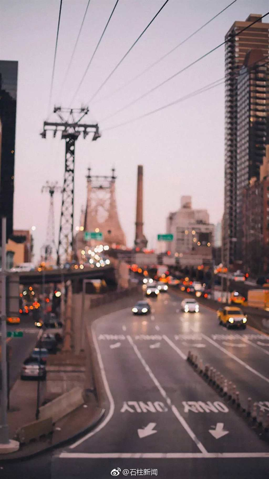 总在盼望,总在失望,俗的无味,雅的轻狂#城市#街拍